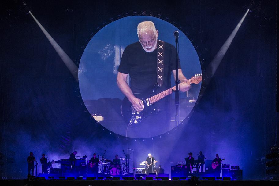 <H2>David Gilmour</H2><H5>Arc-et-Senans, Saline Royale