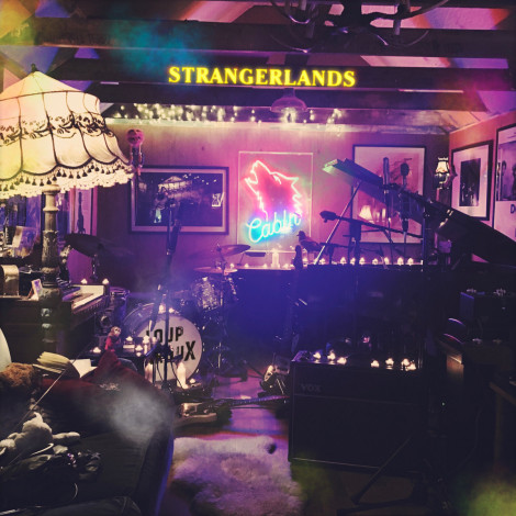 Loup GarouX - Strangerlands