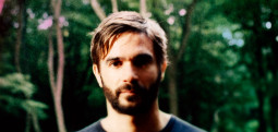 Un titre de Jon Hopkins en live pour le Piano Day 2020