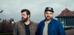 Un extrait de la collaboration de Bear's Den et Paul Frith en écoute