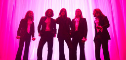 Blossoms et The Lathums repoussent leur tournée en Europe
