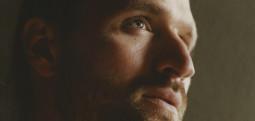 Un nouveau single de Hayden Thorpe en écoute